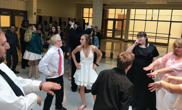 Lake Central HS hosts the Best Buddies Prom for Lake Central and Munster HS students. Fun was had by all!